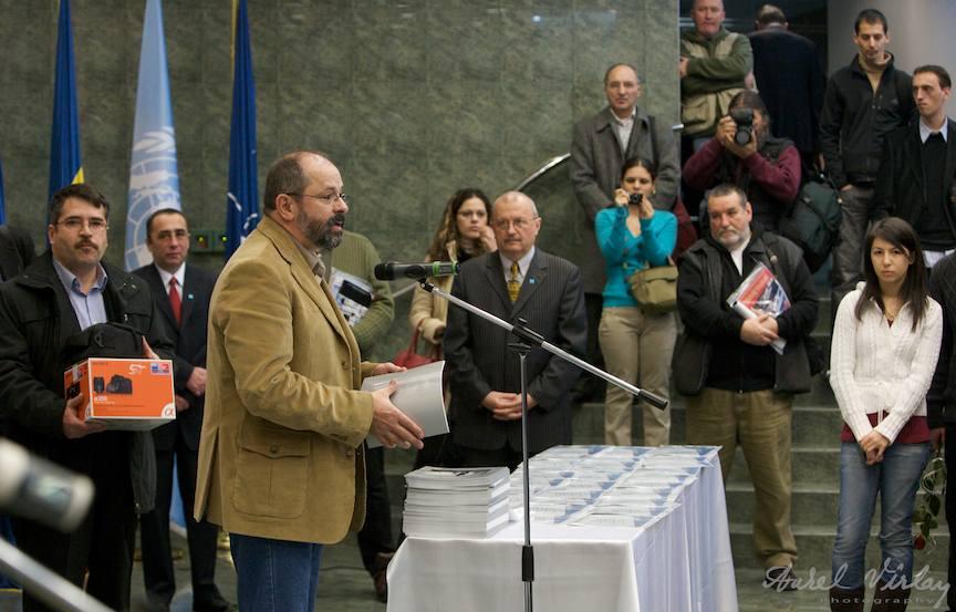 Mihai Moiceanu incepand decernarea premiilor *Fotograful Anului* Editia 1