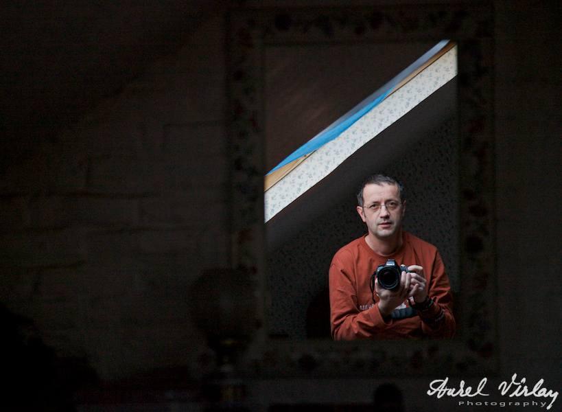 Fotograful Aurel Virlan, aparat foto, mansarda