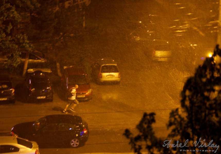Foto-ploaie-Bucuresti-alergator