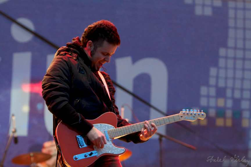chitarist-solo-trupa-Taxi