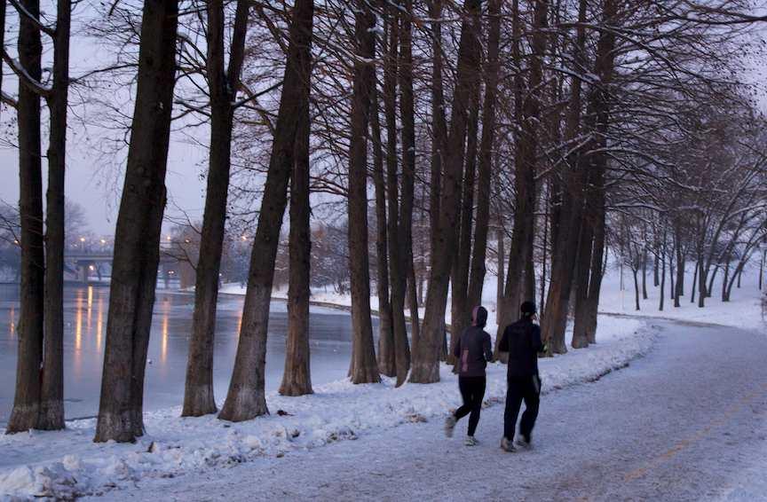 jogging-iarna-parcul-tineretului