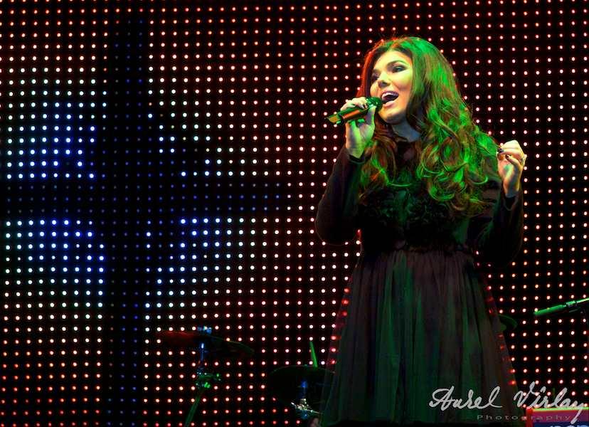 Paula-Seling-live-Traditii-AnulNou2011-fotoAV-03