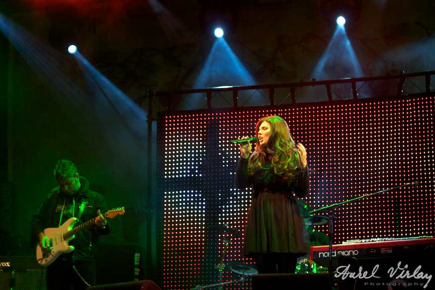 Paula-Seling-live-Traditii-AnulNou2011-fotoAV-06