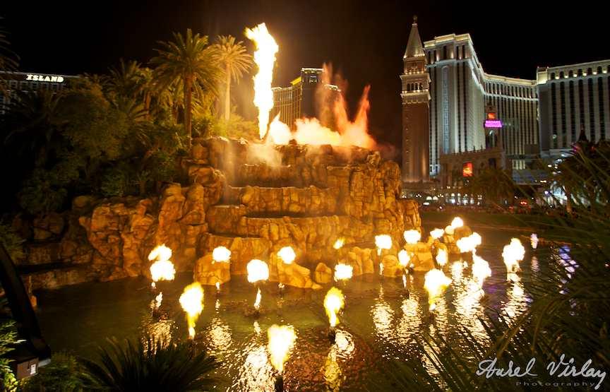 Fotografie spectacole noapte - *Vulcanul* Las Vegas U.S.A.