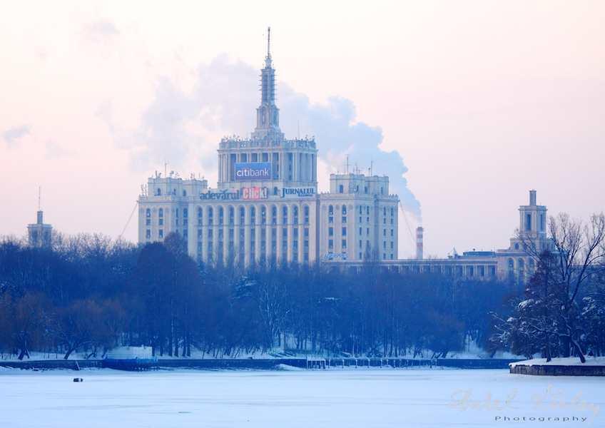 Casa Presei Libere - decor iarna Palatul Scanteia