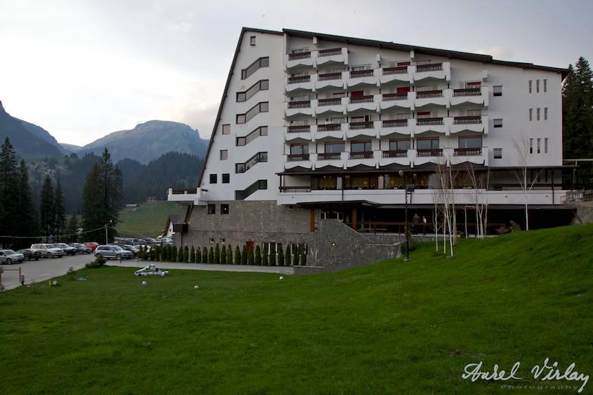 Hotel Pestera si Culmea Doamnele - Fotografie dinspre Foisor.
