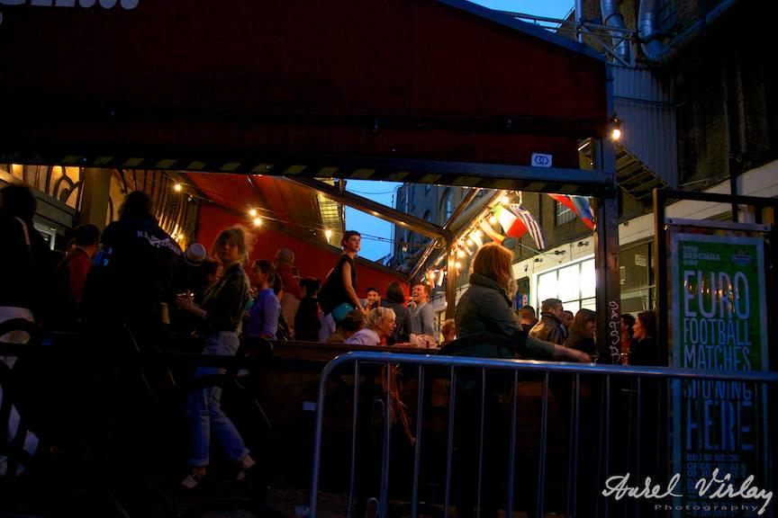 East-London-pub-night-photography