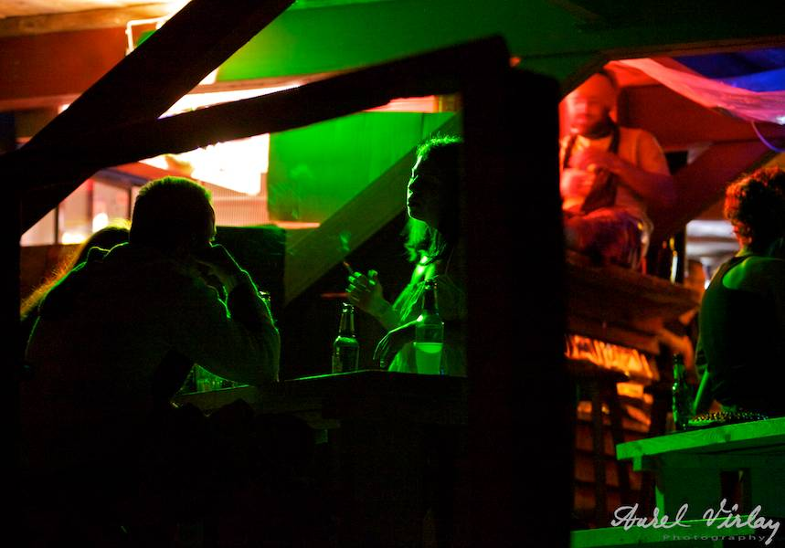El-Comandante-beach-pub-Vama-Veche-Fotografii-nocturne