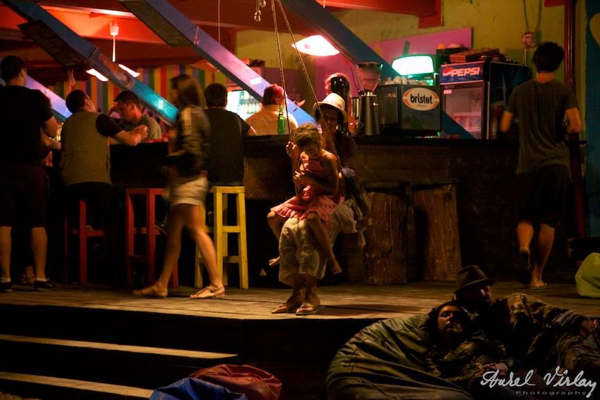 photographs-Vama-Veche-Molotov-pub-El-Comandante-PhotoAV