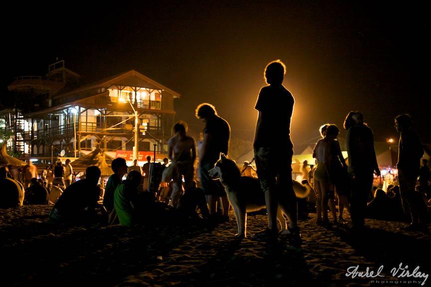 Vama-Veche-freedom-land-PhotoAV-la-stuff-noaptea-turisti-caine