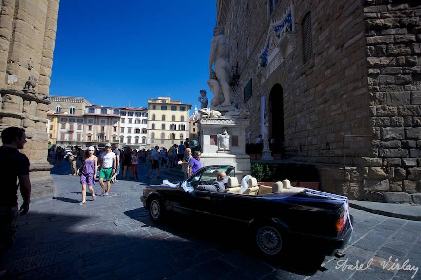 Fotografie-piata-domului-wedding-coupe-BMW-Italy-Florence