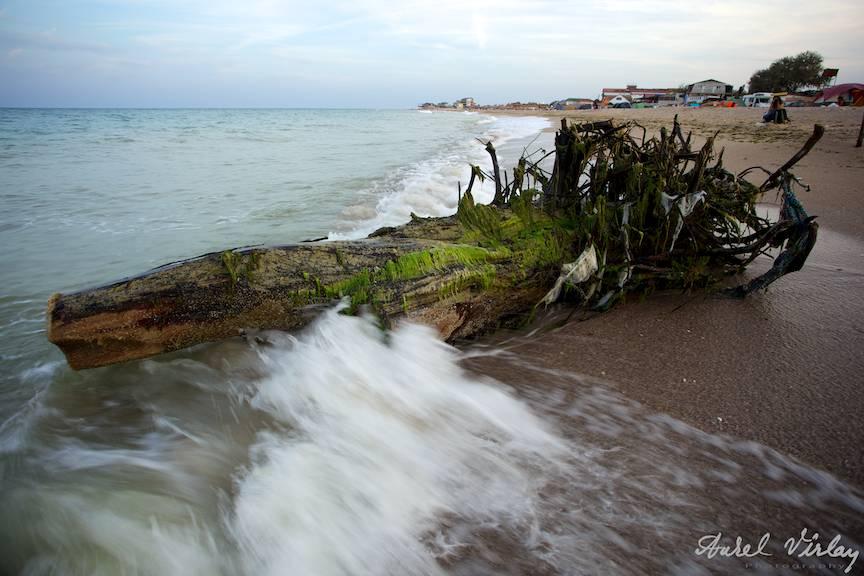 Fotografii-Vama-Veche-sfarsit-sezon-bustean-plaja