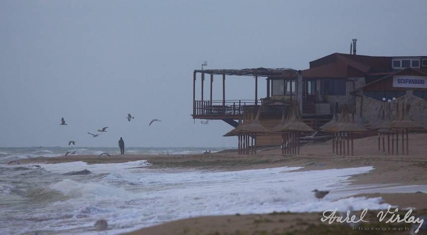 Fotografii-Vama-Veche-Barbatul-si-Pescarusii-plaja-Corsaru-Molotov