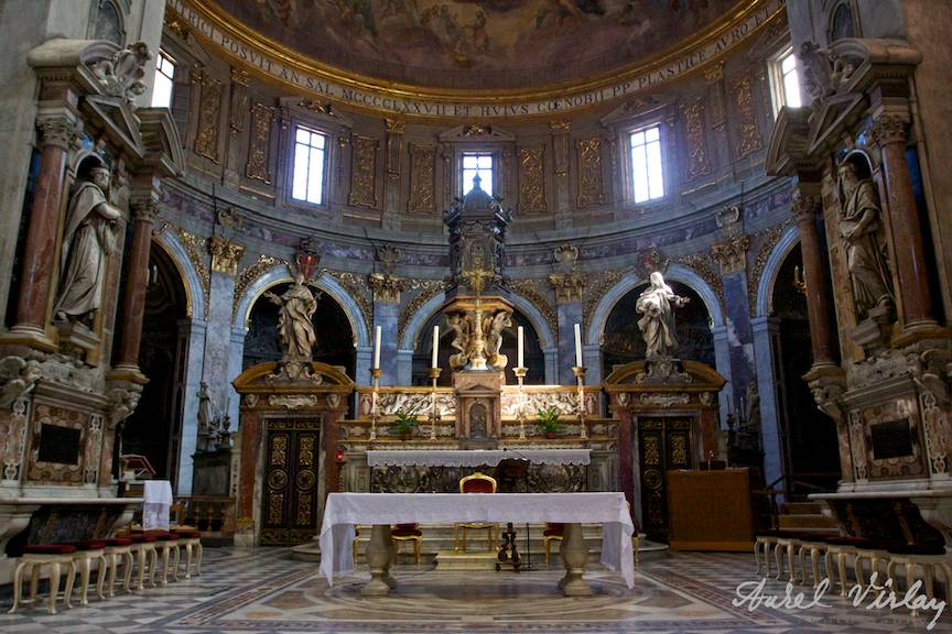 Fotografie-interior-arhitectura-lumina-existenta-catedrala-Florenta-Italia