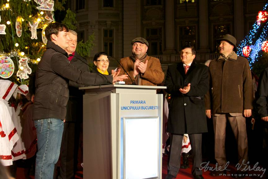 Primarul-aprinde-luminile-orasului_Bucharest-Christmas-Market-FotoAurelVirlan