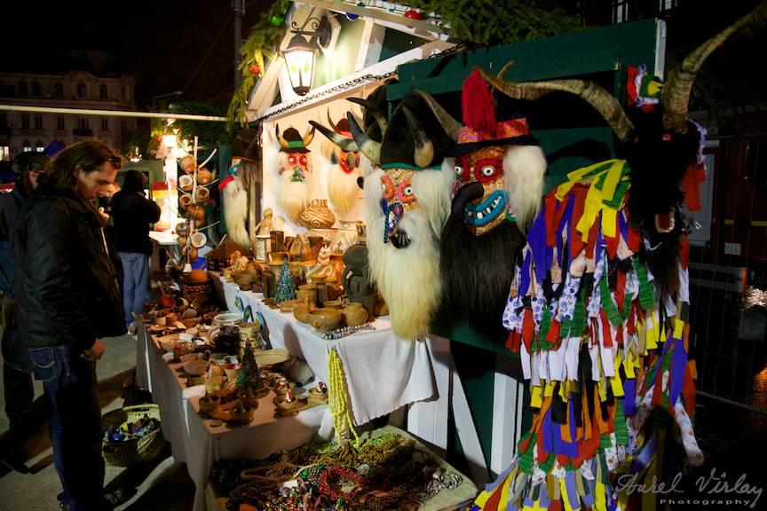 Masti-populare_Bucharest-Christmas-Market-FotoAurelVirlan-piata-universitatii