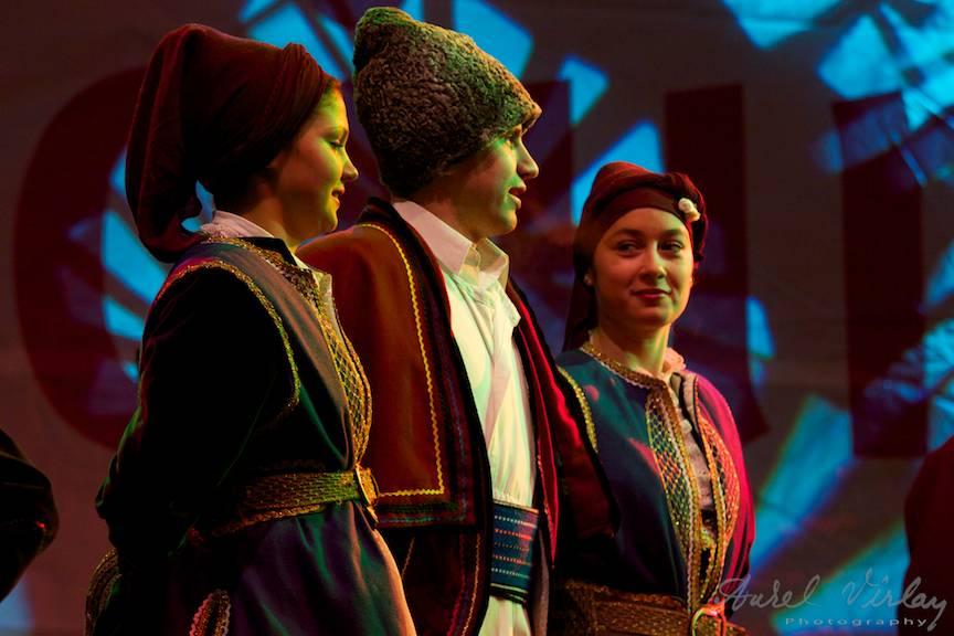 Fotografii dansatori Sarighiol Tulcea_Bucharest-Christmas-Market-concerte-populare-FotoAV