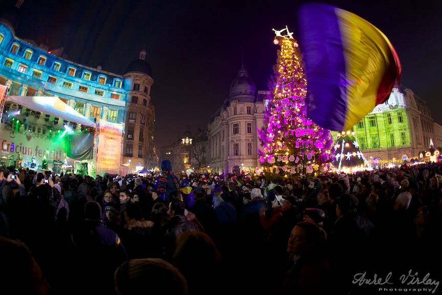 Tricolorul-fluturand_Fotografii Piata Universitatii Craciun Bucharest Christmas Market 26- 16