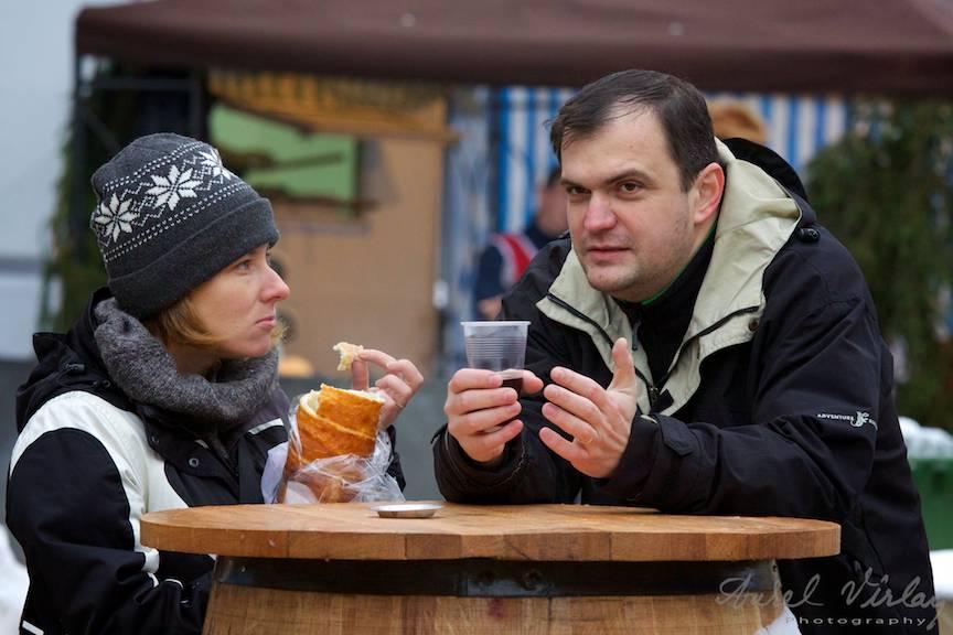 Bucharest-Christmas-market-Iarna-Bucuresti-FotoAurelVirlan-vin-fiert-kurtos-kolacs