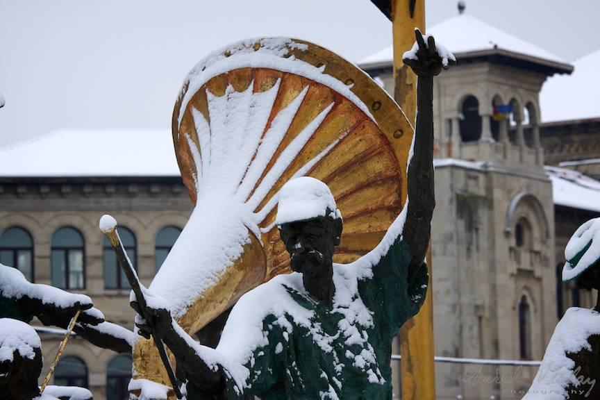 Iarna Bucuresti statuie gramofonFotoAurelVirlan-27