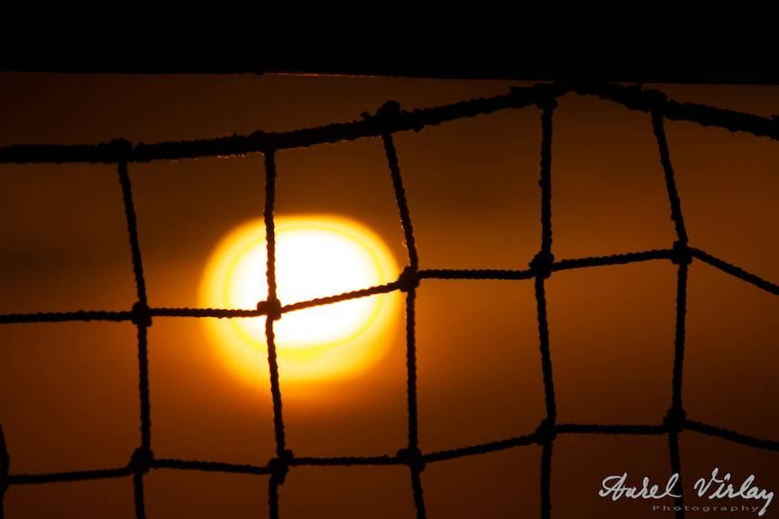 Eseu Fotografic Vama-Veche Rasarit de Soare prin navod.