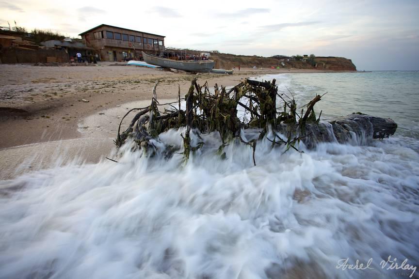 Fotografii-Vama-Veche sfarsit-sezon bustean plaja
