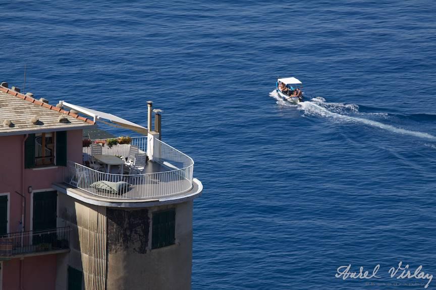 Italy-Cinque-Terre-Photographs-AurelVirlan-boat