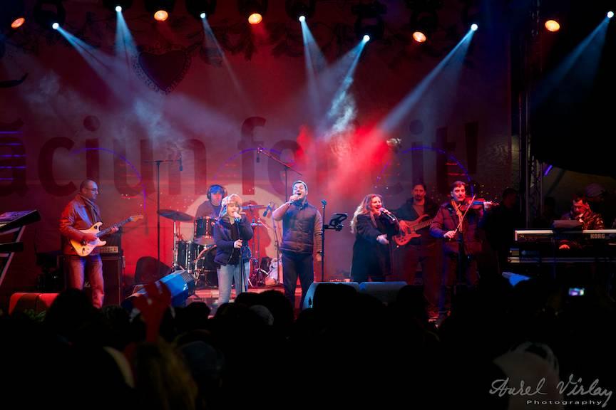 Fotografii Piata Universitatii Concert trupa Provincialii Bucharest Christmas Market 35