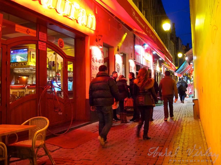 stazile-Bruxelles-Fotojurnal-lumina-rosie