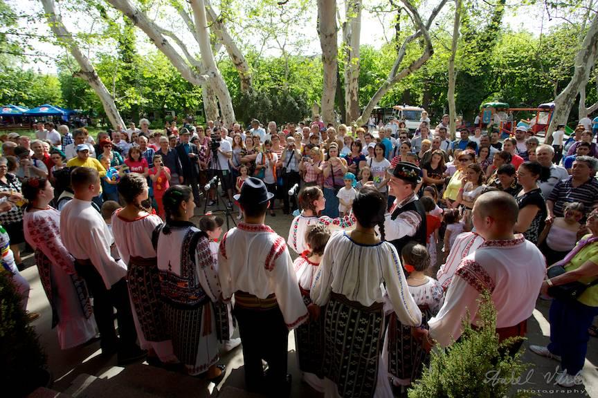 Fotografie concert Florii Grupul copii Tecucelul din Tecuci Galati.