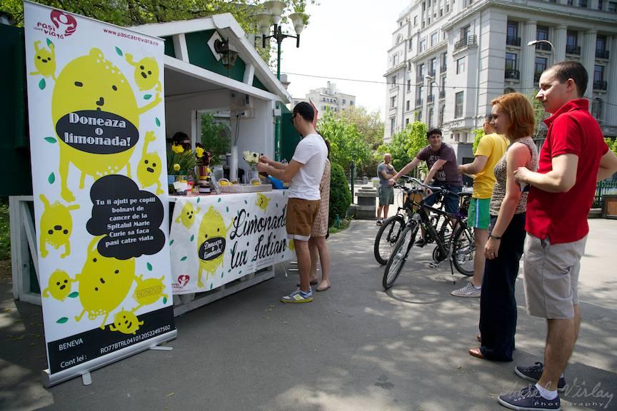 Limonada lui Iulian la intrare Parcul Cismigiu Bucuresti