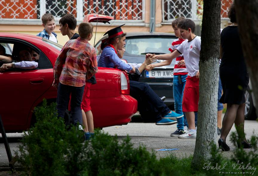12U2-Liceul-Cosbuc-FotoAV-Salut-copii