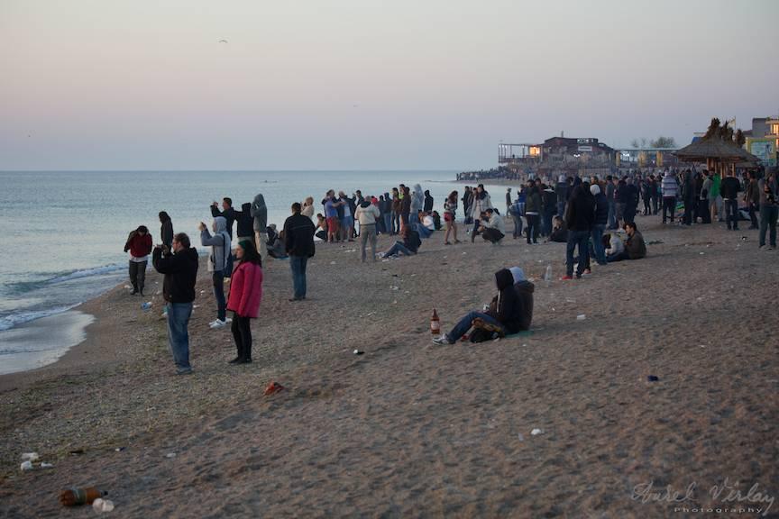 turisti plaja rasarit soare Vama-Veche FotografieAV