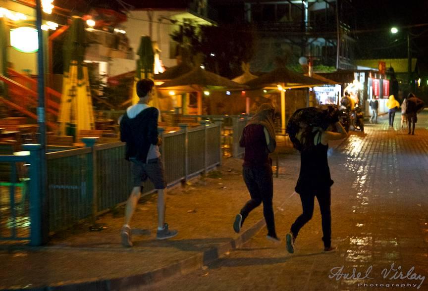 Fotografia lumina existenta ploaie de vara Vama Veche noaptea.