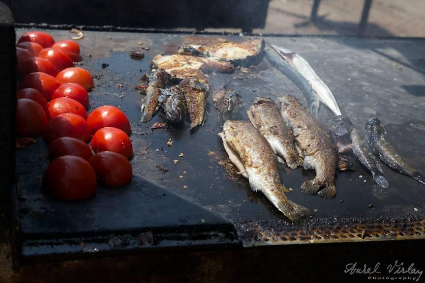 Fotografii Vama Veche - Plita cu Rosii si Peste Prajit la Cherhana