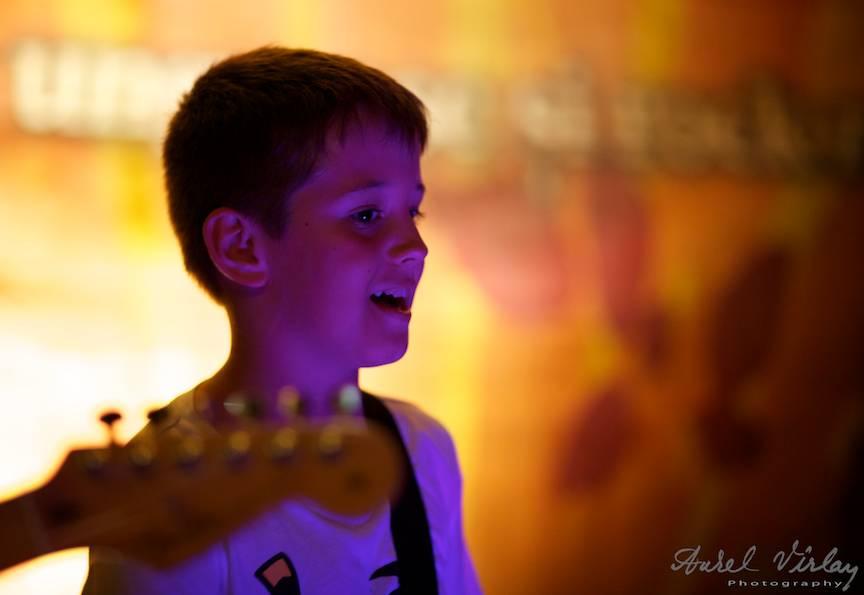 Fotografie din concert cu fiul lui MIrcea Baniciu.