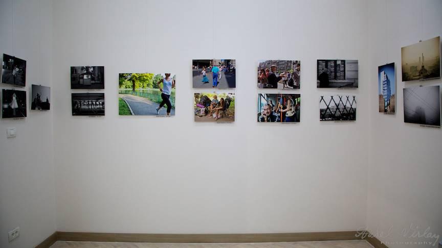 Diferiti fotografi cu puncte de vedere diferite intr-o singura expozitie despre Bucuresti.