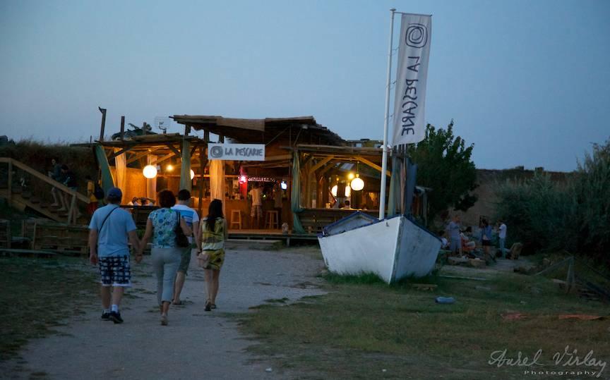 La Pescarie Bar si lotca alba.