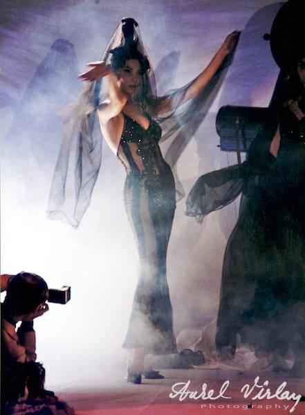 Fotograf si Fotomodel prezentare de moda Crinuta Popescu