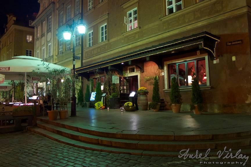 Downtown Varsovia by night.