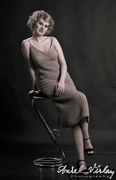Fashion: Sedinta Foto Vintage Sepia.