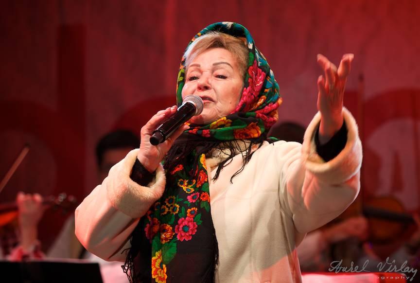 Portret foto din concert live cu Margareta Clipa.
