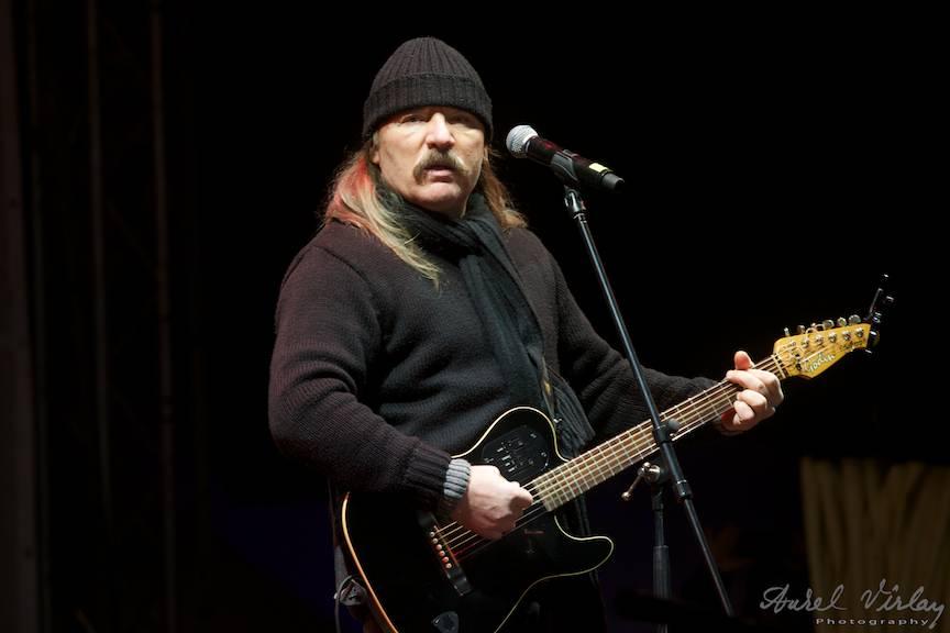 Portret foto Vasile Seicaru in concert.