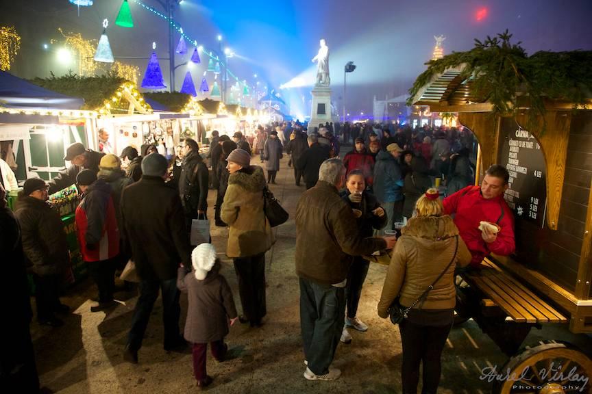 Targul de Craciun si Anul Nou organizat de CreArT.