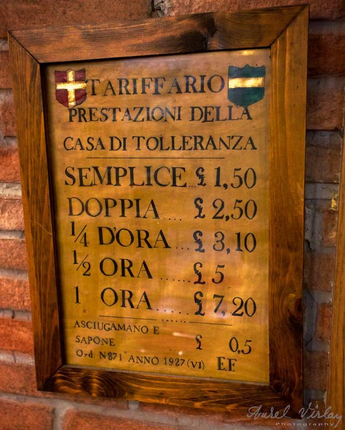Tarife prestatione della Casa di Tolleranza dintr-o autentica pizzarie italiana.