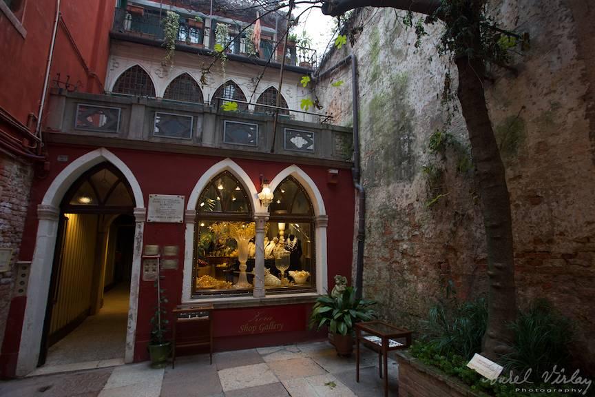 Venetia in intimitatea ei antica si gratioasa.