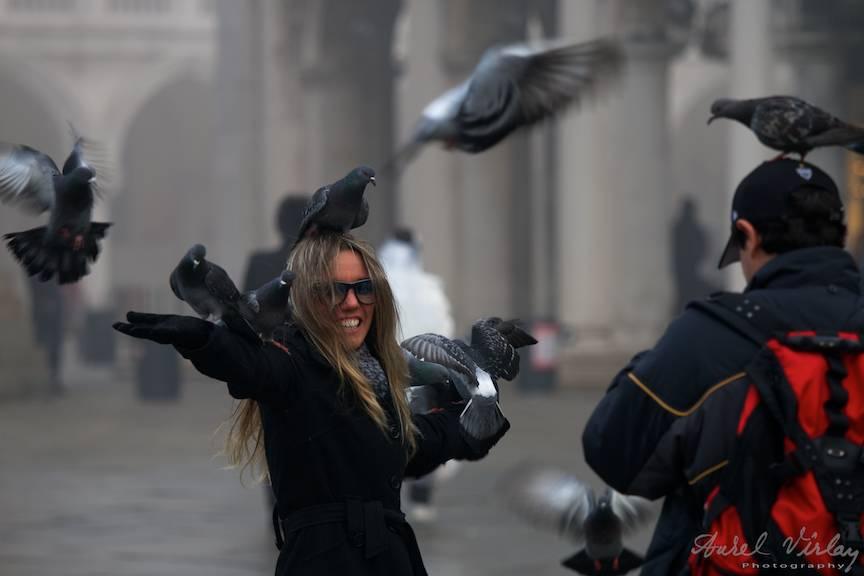 Fotojurnalismul de strada poate trece in efemer clipe fericite din viata noastra.