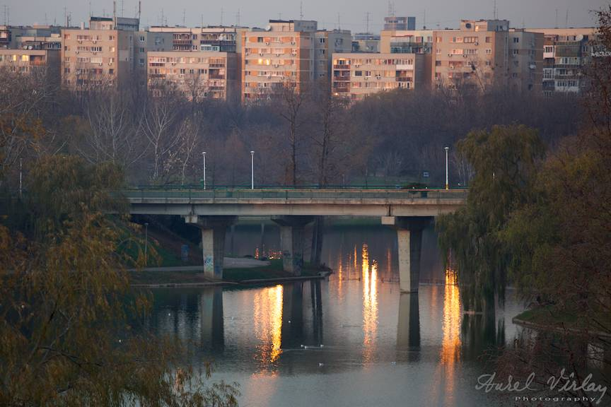 Fotografie de peisaj foto citadin cu blocurile de pe Bulevardul Tineretului.