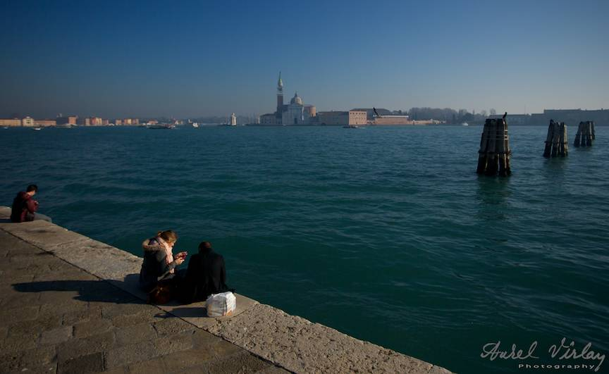 Vedere din Venetia in lumina blanda a apusului de soare.