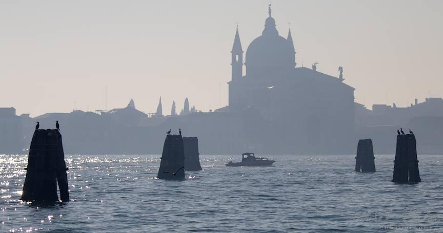 Linistea se aseaza in laguna venetiana.